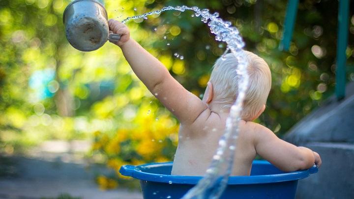 Как купать малыша первый раз