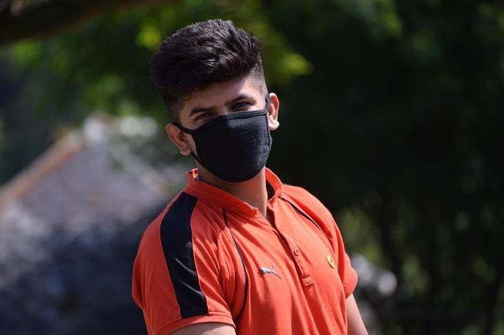Защитная маска для подростка