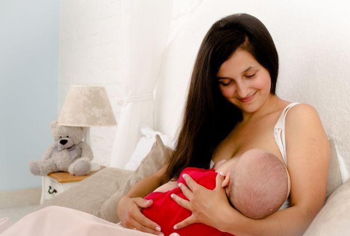 Кормление ребенка 1 месяц
