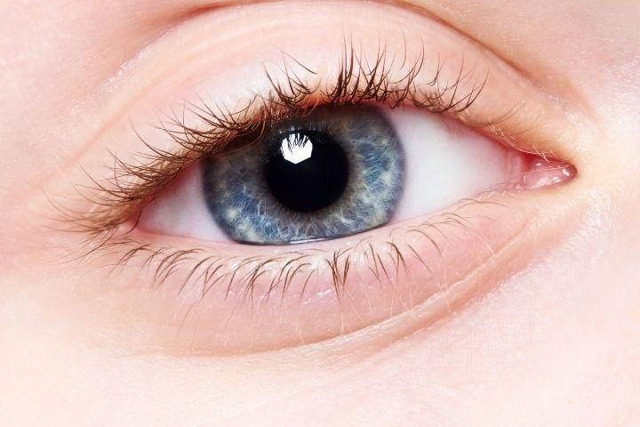 голубые глаза у новорожденного