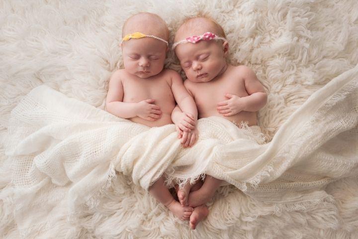как зачать двойню девочек
