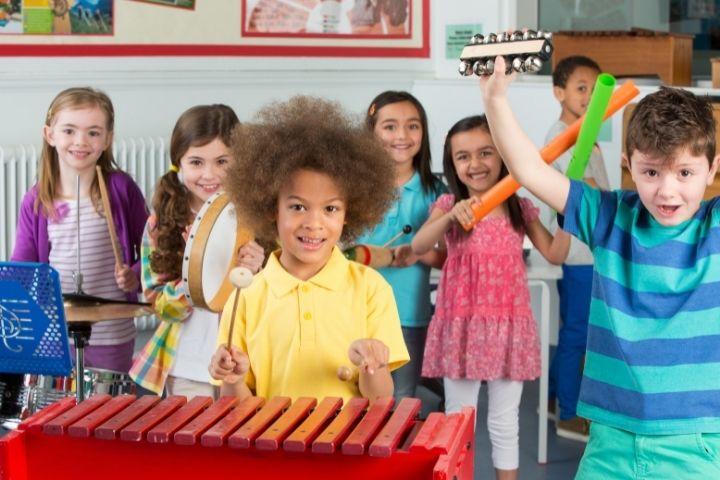 занятия музыкой в детском саду