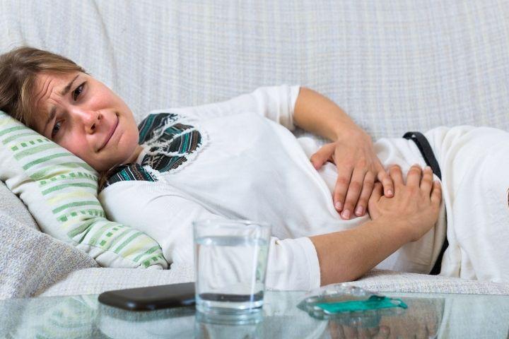 боль в животе при внематочной беременности